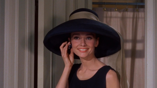 audrey-hepburn-breakfast-at-tiffanys-go-with-the-vlo-7