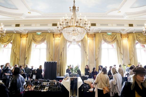 designer-vintage-sale-amstel-amsterdam-go-with-the-vlo