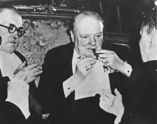 winston-churchill-sigaar-go-with-the-vlo