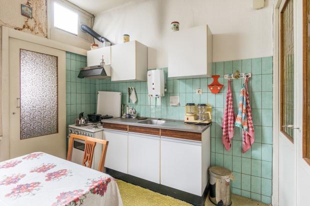 keuken-kralingseveer-rotterdam-seventies-aanrecht-go-with-the-vlo