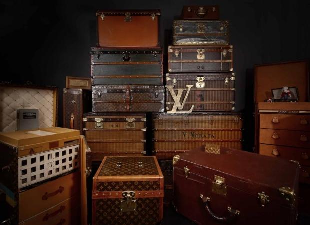 louis-vuitton-legendary-trunks-beurs-van-berlage-go-with-the-vlo