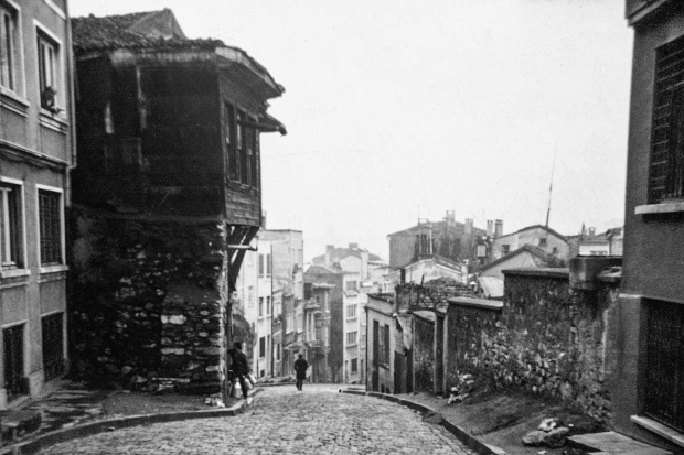 istanbul-memories-and-the-city-orhan-pamuk-zwerftochten-go-with-the-vlo