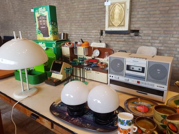 lampen-veghel-audio-vlooienmarkt-go-with-the-vlo