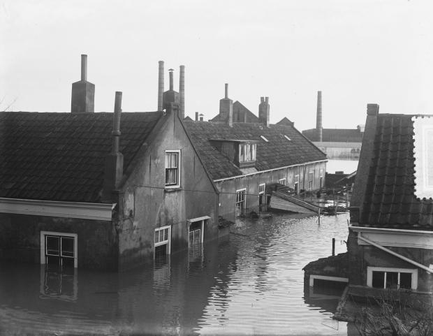 watersnoodramp-1953-slikkerveer-huizen-go-with-the-vlo