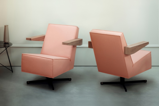 press-room-chair-roze-gerrit-rietveld-go-with-the-vlo