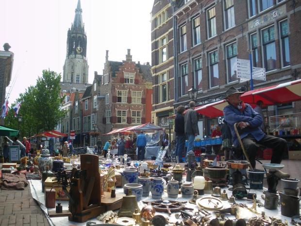 Antiek en curiosamarkt Delft go with the vlo