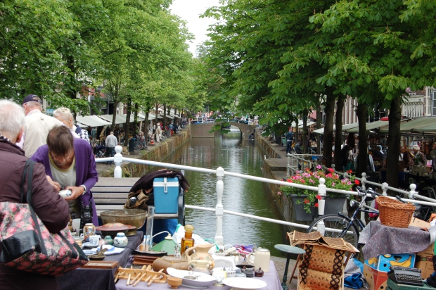 Antiekmarkt Delft centrum go with the vlo