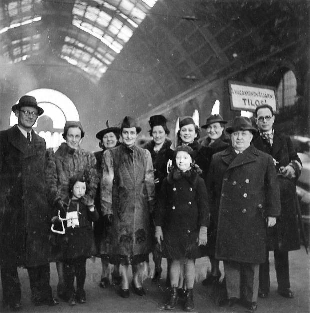 De Treinreis Boedapest Hongarije Joden Holocaust go with the vlo