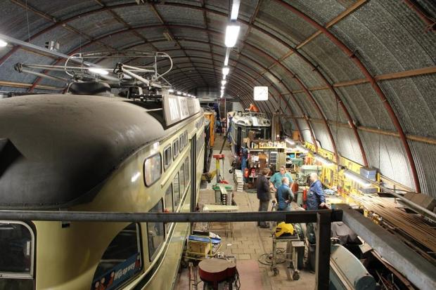 Electrische Museumtramlijn Amsterdam loods sloop go with the vlo 2