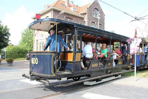 Electrische Museumtramlijn Amsterdam loods sloop go with the vlo 6