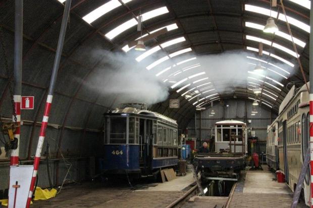 Electrische Museumtramlijn Amsterdam sloop loods trams go with the vlo