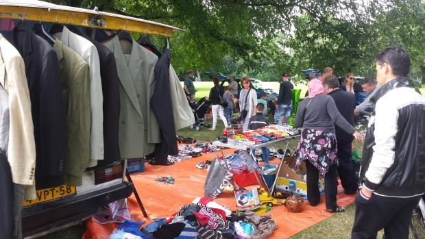Rommelmarkt Maasboulevard jasjes