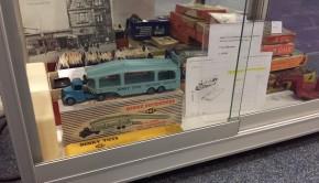 Puntgave vrachtwagen van Dinky Toys