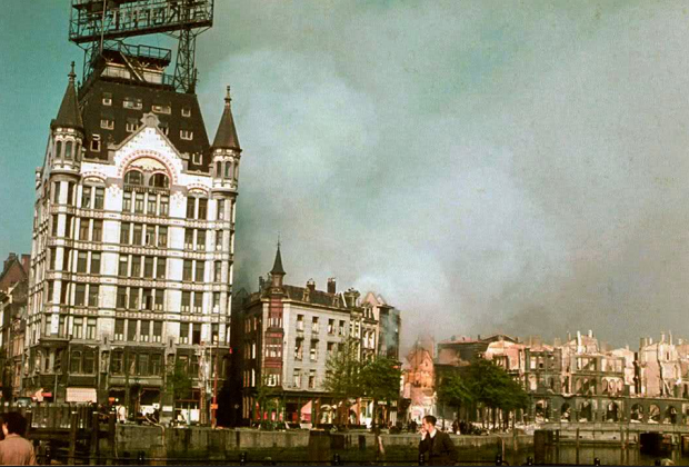 Oude Haven Rotterdam bombardement 1940 kleur