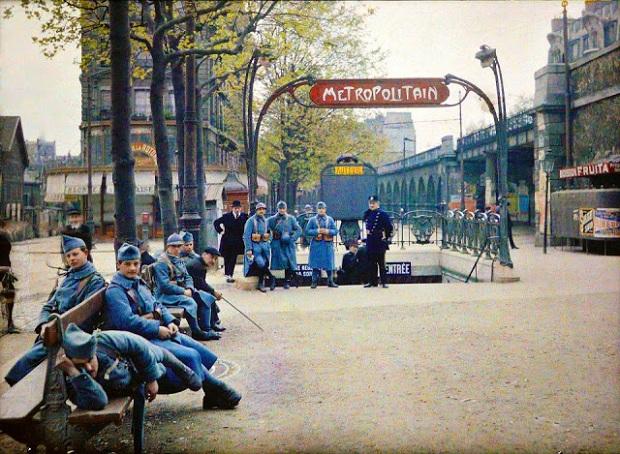 Parijs kleurenfoto soldaten