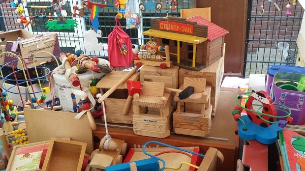 Waterloopleinmarkt Ugchelen houten speelgoed