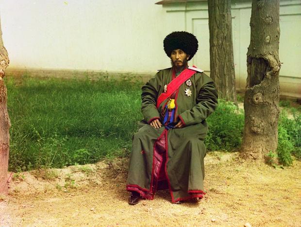 sergei mikhailovich prokudin gorskii kleurenfoto man muts