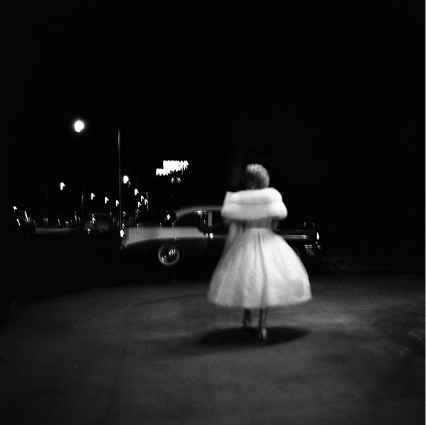 Vivian Maier witte jurk