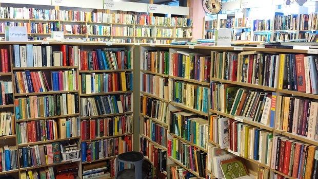Kringloop De Pelgrimshoeve in Zoetermeer boekenhoek