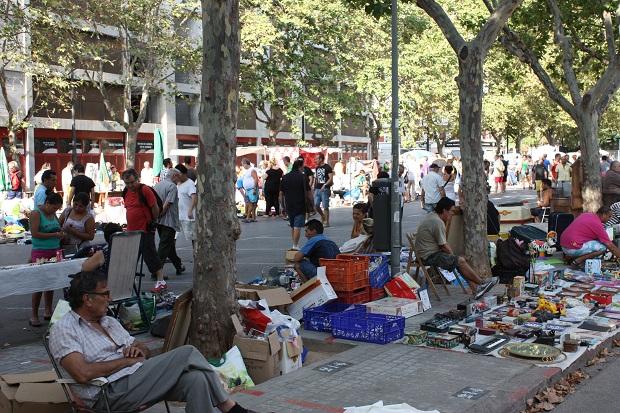 Valencia vlooienmarkt Plaza Lluis Casanovas antiek