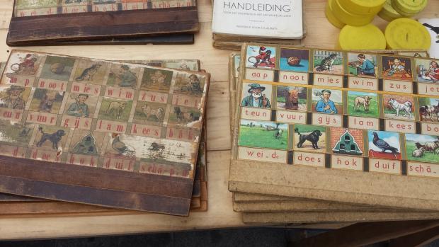 Boekenmarkt Dordrecht vintage leesplankje