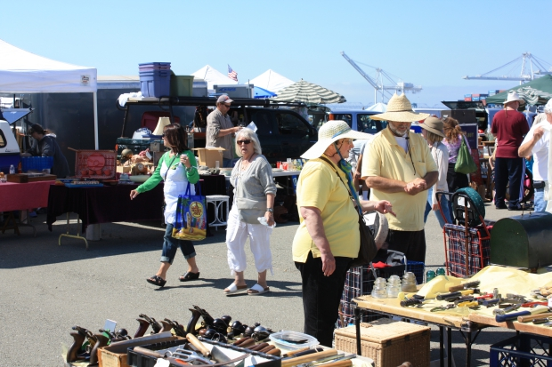 Alameda Antiques Point Faire hoedjes