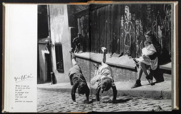 Izis Parijs kinderen spelen