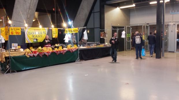 Kaaskraam rommelmarkt Den Bosch