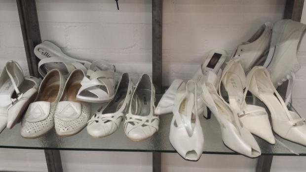 Kringloop Foenix Apeldoorn schoenen