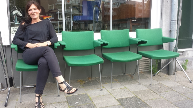 Nummer 13 Rotterdam stoelen buiten