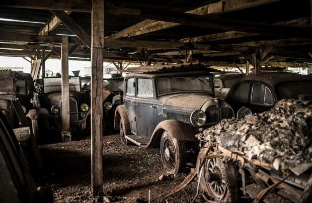Schuur oude auto's