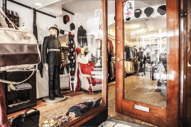 Tommy Page vintagewinkel ingang
