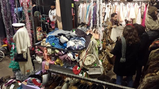 Kiloshop Kawaii Parijs shoppers vintage