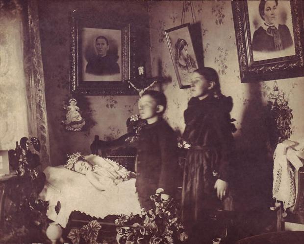 Victoriaanse huiskamer dode