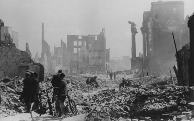 Bombardement De Aanval Verwoest Rotterdam, Kaasmarkt