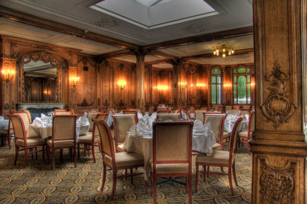 Olympic dining suite White Swan