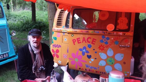 Le Bric à Brac hippiewagen