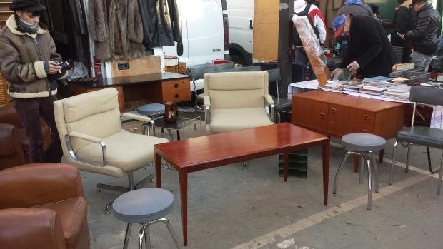 Parijs vlooienmarkt Vanves antieke meubels