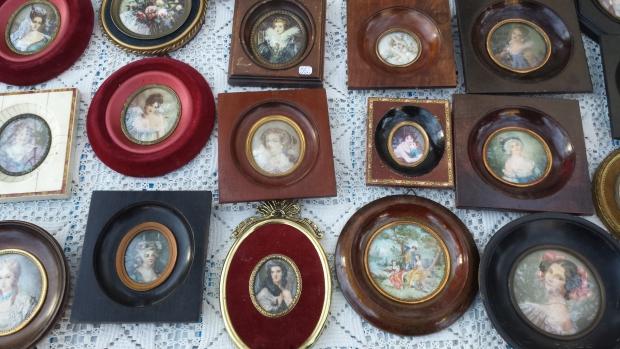 Parijs vlooienmarkt Vanves kleine portretten