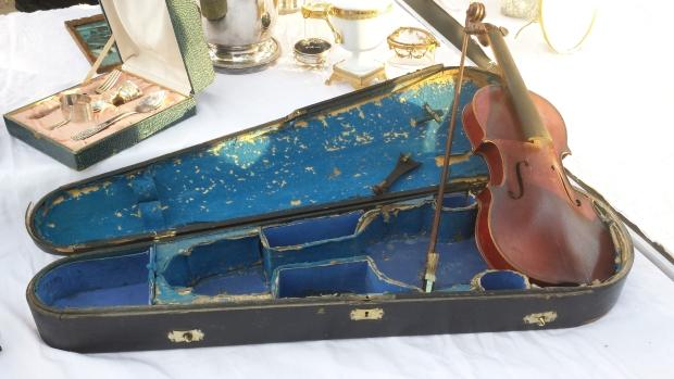 Parijs vlooienmarkt Vanves viool