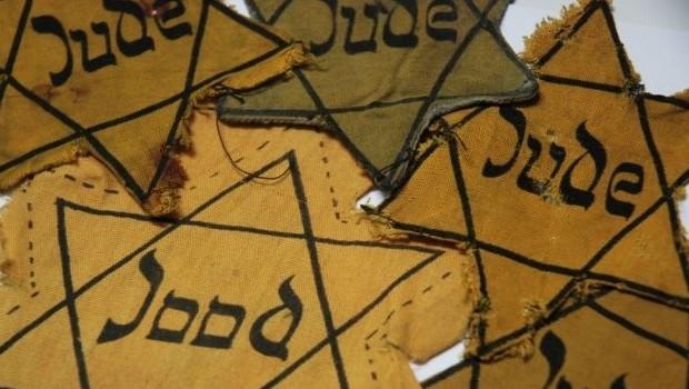 Auschwitz Jodensterren banner