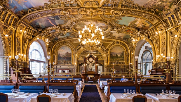 Le Train Bleu restaurant Parijs lampen