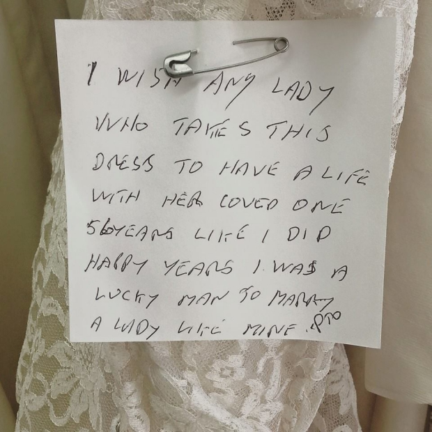 Vintage trouwjurk briefje