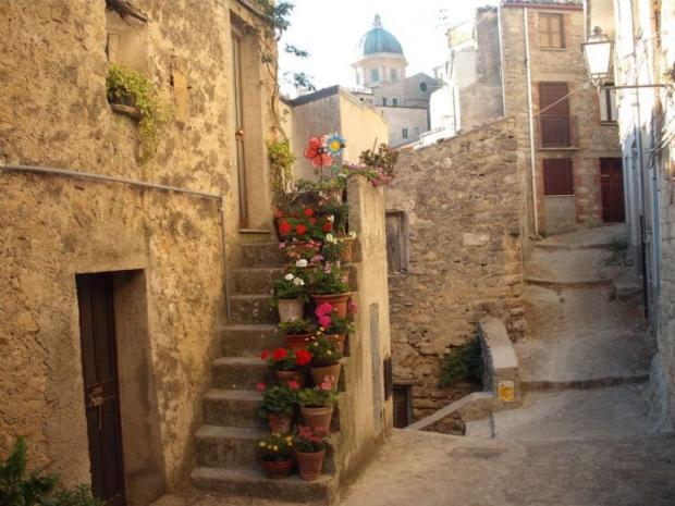 Gangi gratis huizen Sicilië