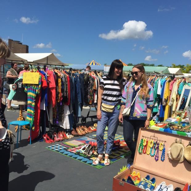 Isis Vaandrager Swan Market kleding