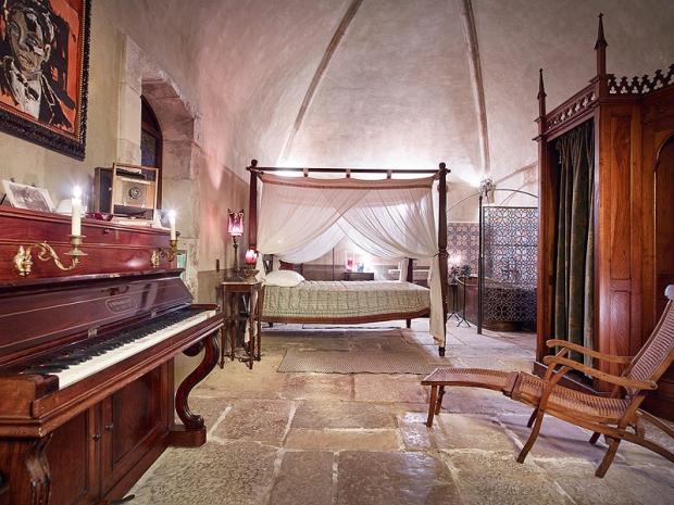 Johnny Depp dorpje te koop slaapkamer