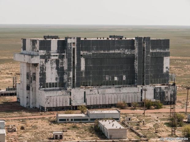 Russische ruimteveren loods woestijn