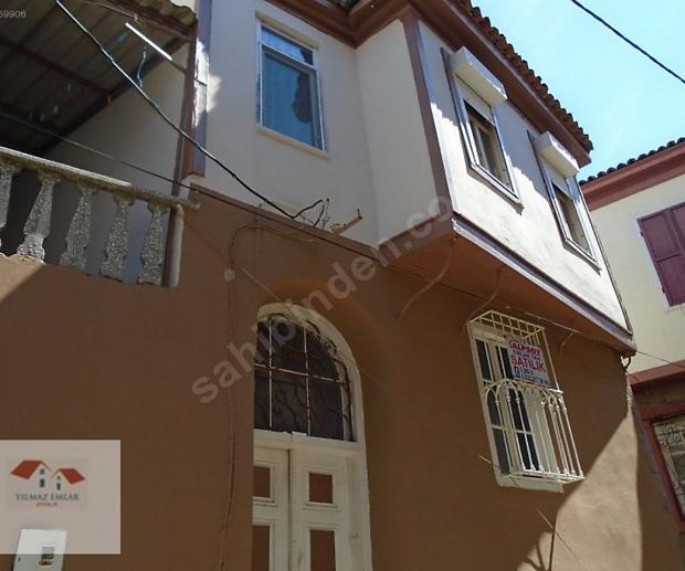 Ayvalik huis te koop voordeur
