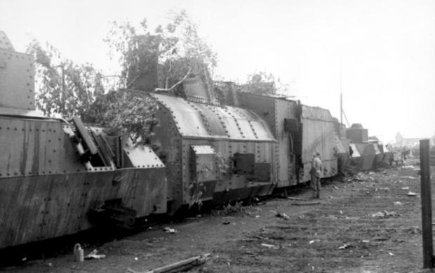 Russland, zerstörter russischer Panzerzug