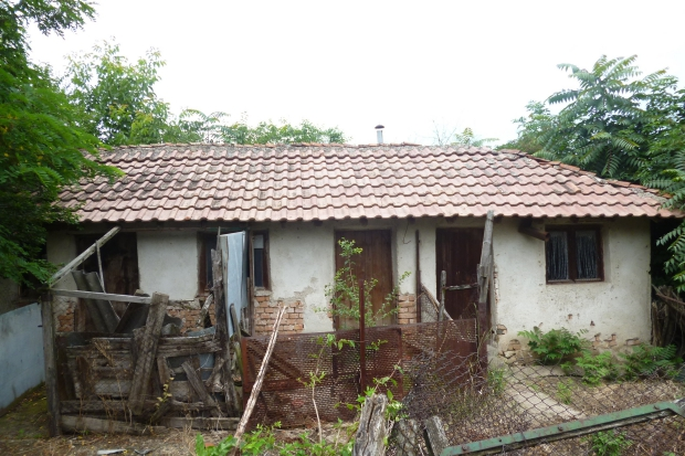 Bulgarije twee huizen te koop bijgebouw
